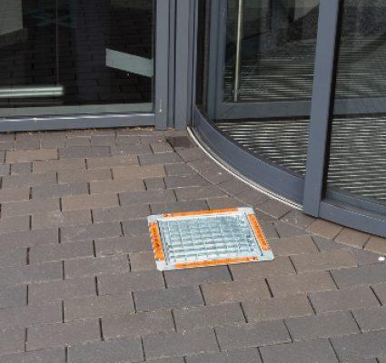 Clean Cube Bodenaschenbecher ohne Schild